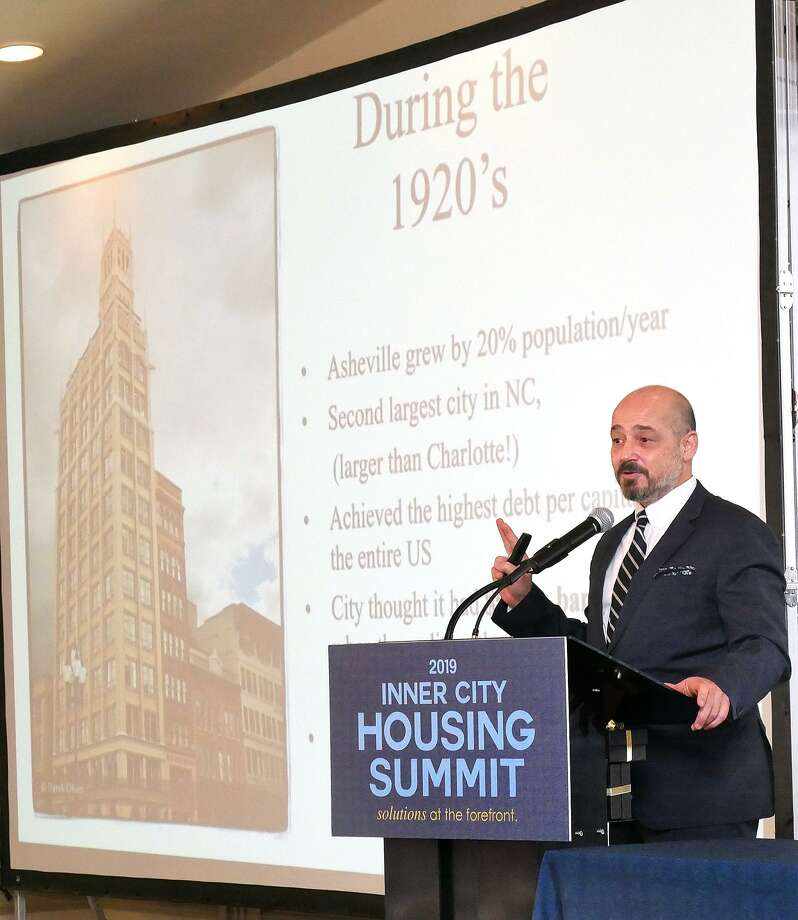 Joe Minicozzi, architect and principal of Urban3 consulting firm, was the keynote speaker at the 2019 Inner City Housing Summit on Wednesday. Photo: Cuate Santos /Laredo Morning Times / Laredo Morning Times