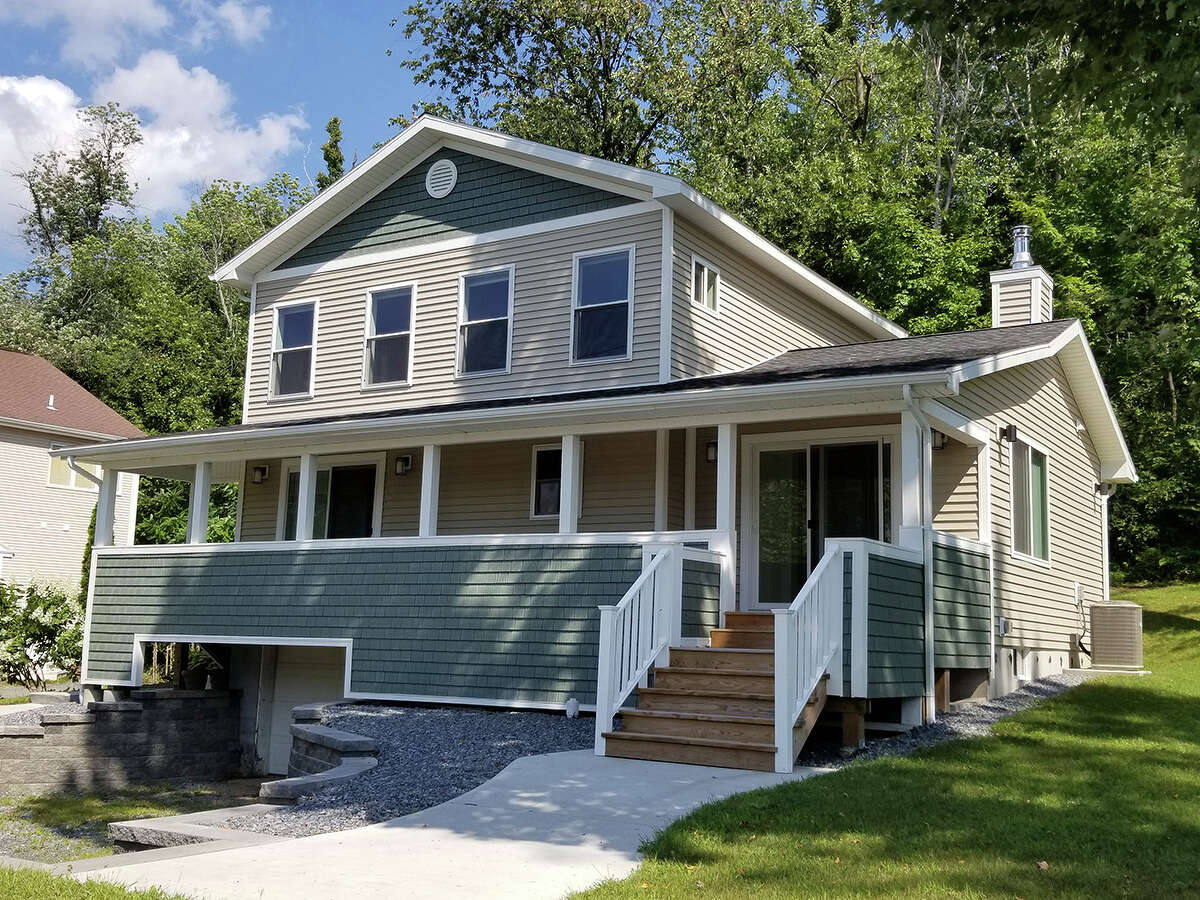 House of the Week: 628 Route 9P, Saratoga Springs | Realtor: For sale by owner | Discuss: Talk about this house