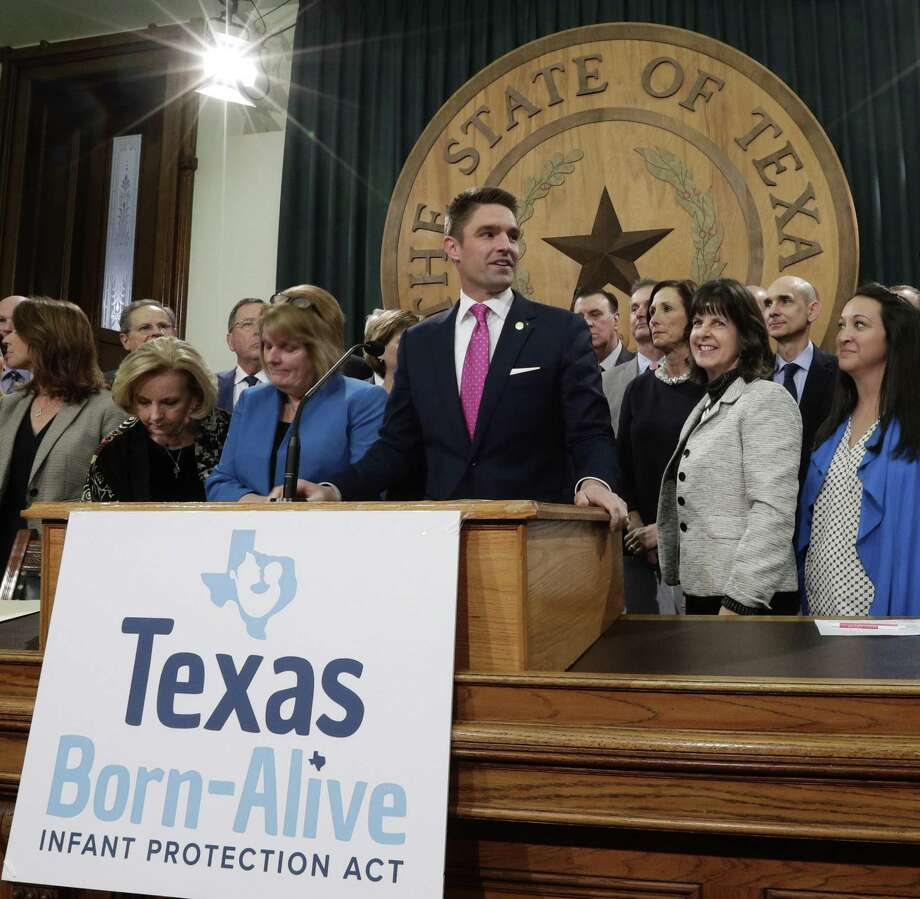 Lawmakers discuss the Texas Born-Alive bill. That the bill is necessary at all is a sad and frightening commentary. Photo: Eric Gay /Associated Press / Copyright 2019 The Associated Press. All rights reserved.