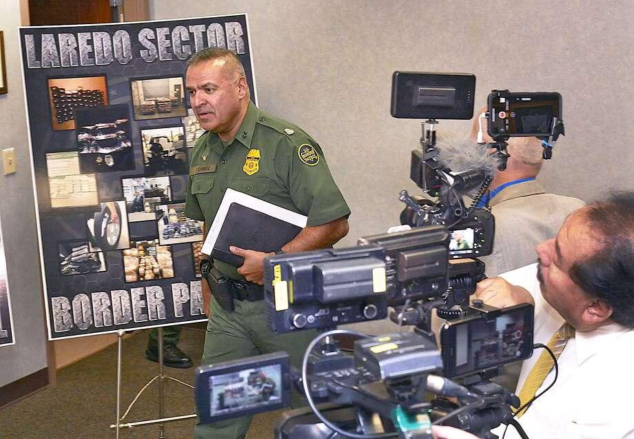 Félix Chávez, Agente en Jefe de Patrulla del Sector Laredo para la Patrulla Fronteriza, se reunió con miembros de los medios de comunicación en la Estación de la Patrulla Fronteriza del Sector Laredo Norte. Photo: Cuate Santos /Laredo Morning Times / Laredo Morning Times