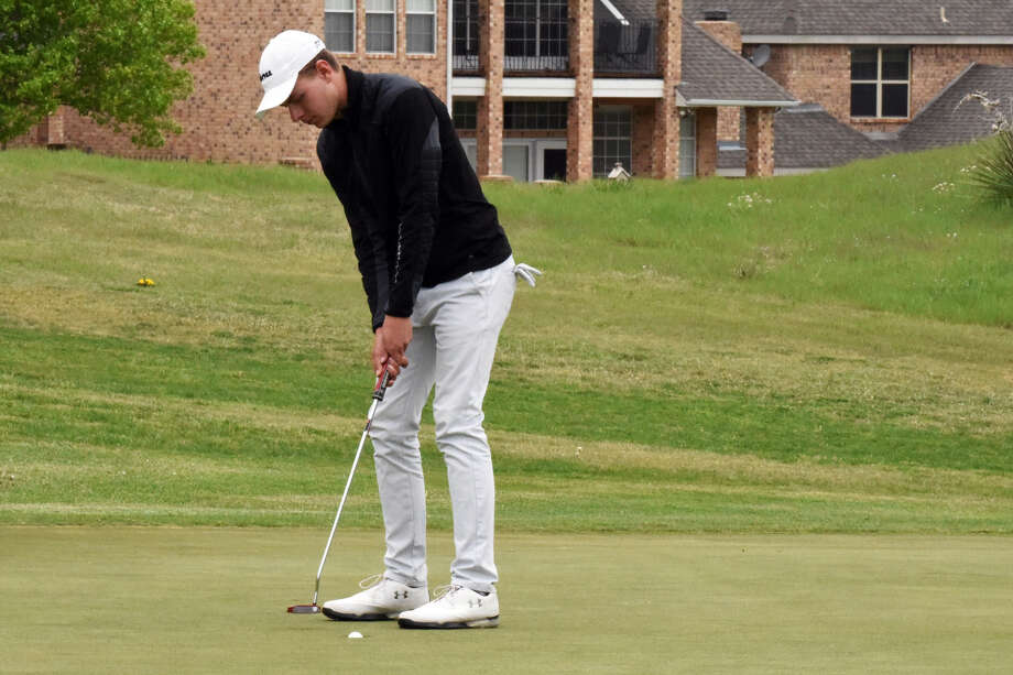 Johanes Hounsgaard took the Sooner Athletic Conference men's golf individual title after a win in Amarillo on Tuesday. Photo: Claudia Lusk/WBU