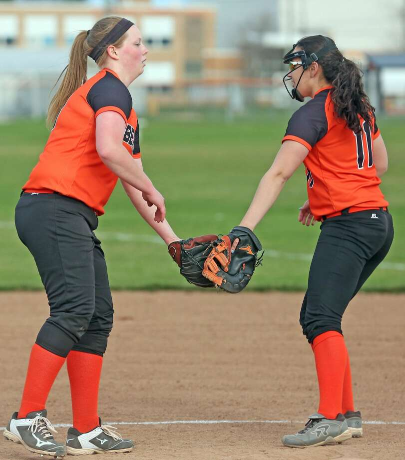 Ubly at Harbor Beach softball Photo: Mike Gallagher/Huron Daily Tribune