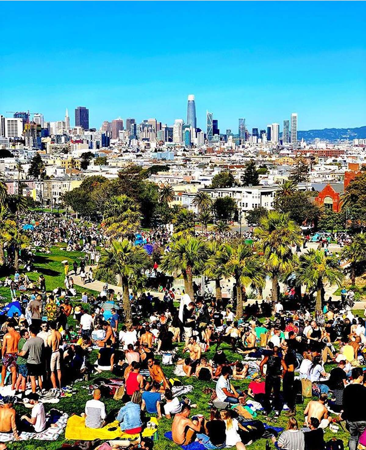 Crowded Dolores Park by @ddgg1