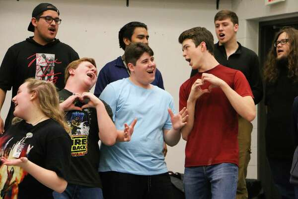230 teen singers to perform at Pearland High's 'Pop Show
