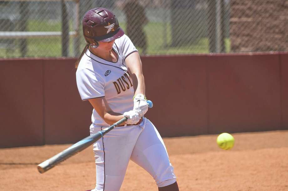 Finishing up their regular seasons this weekend, outfielder Maddison Schofield and the Dustdevils split a doubleheader Friday against Lubbock Christian in a preview of next week's postseason opener. Photo: Danny Zaragoza /Laredo Morning Times / Laredo Morning Times