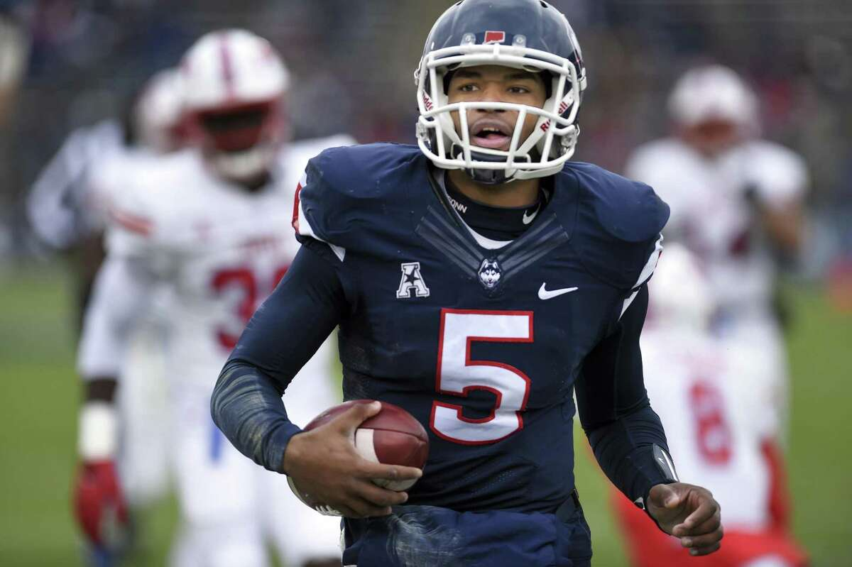 UConn quarterback David Pindell has reportedly signed on with the Tampa Bay Buccaneers.
