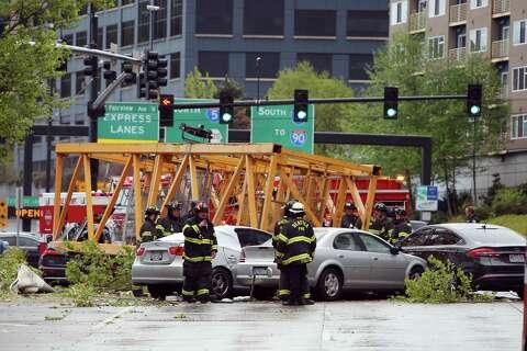 Fallen crane kills 4, injures 4 in Seattle's South Lake