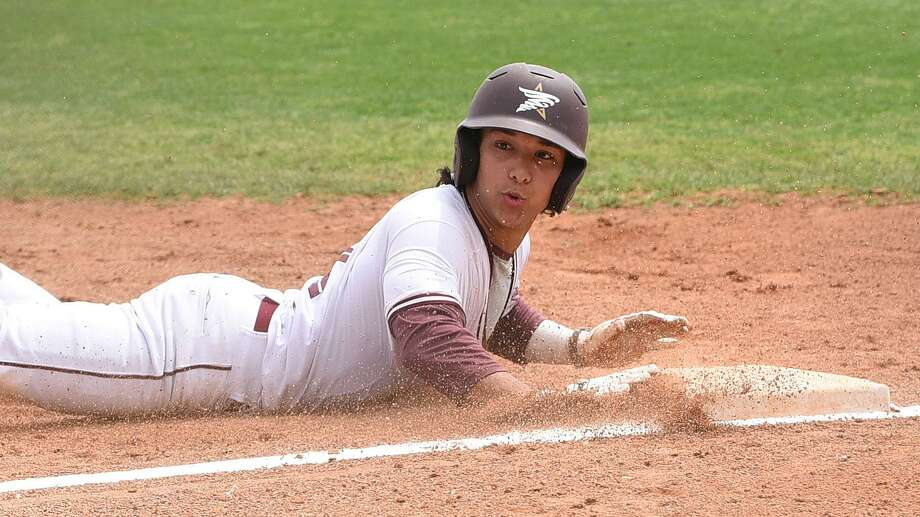 The TAMIU baseball team fell 19-14 Saturday as it was swept this weekend at Arkansas-Fort Smith. Outfielder Danny Espinoza hit a home run in the outing. Photo: Danny Zaragoza /Laredo Morning Times / Laredo Morning Times