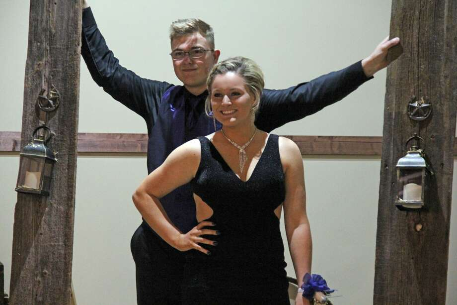 Deckerville celebrated its prom Saturday at Mi-Dahs Well Banquet Hall in Deckerville. Photo: Mike Gallagher/Huron Daily Tribune