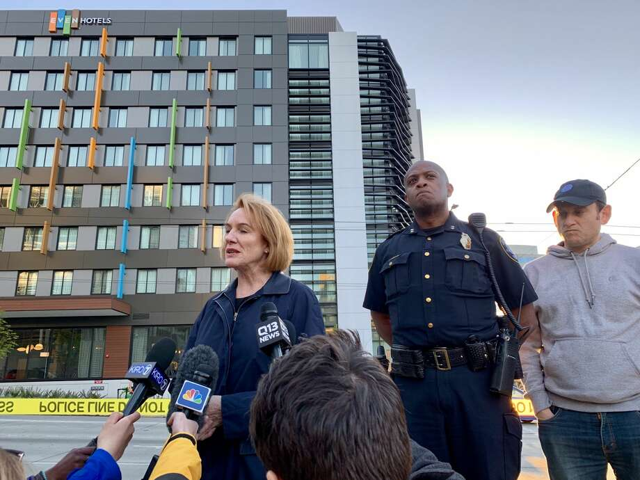 Mayor Jenny Durkan speaks Saturday, April 27, 2019 at the corner of Mercer Street and Fairview Avenue North, not far from where a crane fell earlier in the day, killing four people and injuring several others. Photo: Daniel DeMay / SeattlePI