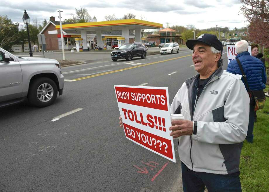 Joe Savino, of Ridgefield, takes part in a No Tolls Ct protest in front of Copps Hill Plaza, on Danbury Road, in Ridgefield, Conn., Saturday morning, April 27, 2019. Photo: H John Voorhees III / Hearst Connecticut Media / The News-Times