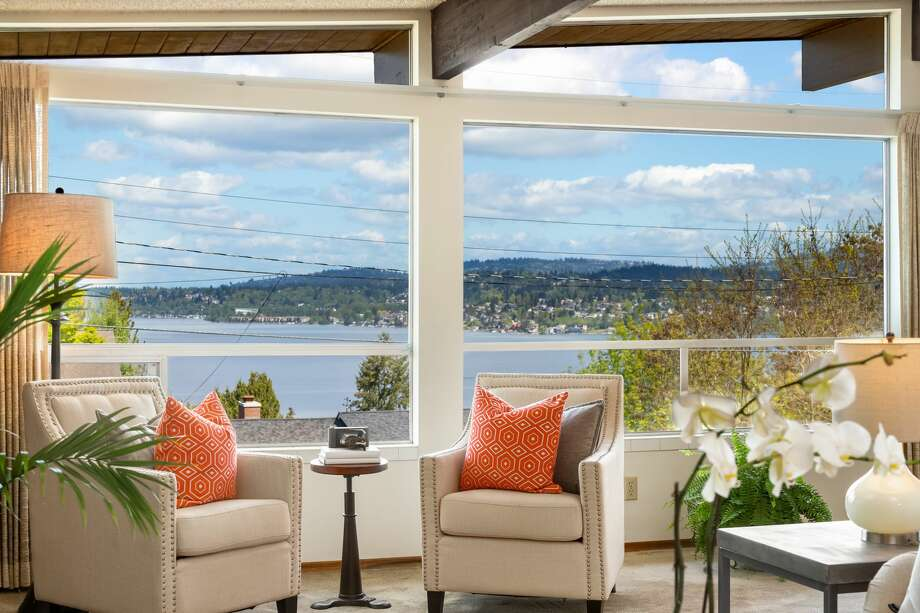 Vintage mid-century with incredible lake vantage has has only one owner since 1966. Be the next for $675K Photo: Amaryllis Lockhart With Clarity NW Photography