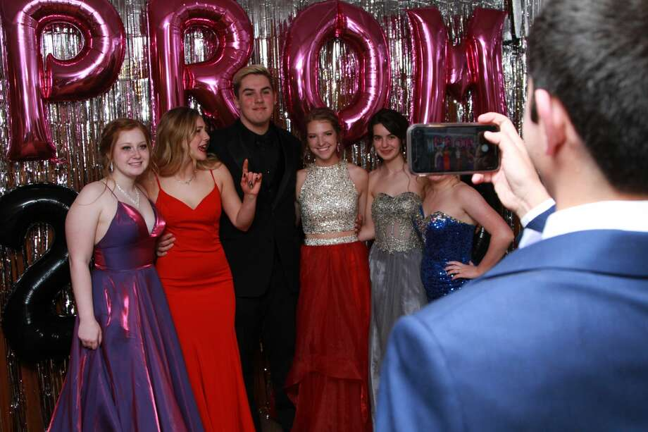 Unionville-Sebewaing Area students celebrated their prom Saturday night at Sherwood on the Hill Golf Course in Gagetown. Photo: Coulter Mitchell/For The Tribune