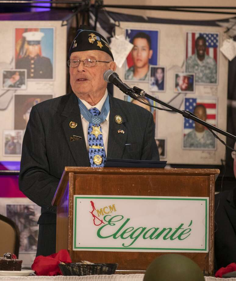 "Chief Warrant Officer-4 retired Marine Hershel ""Woody"" Williams speaks at the Stand in Honor dinner on Thursday at the MCM Elegante. Photo: Jacy Lewis/191 News"