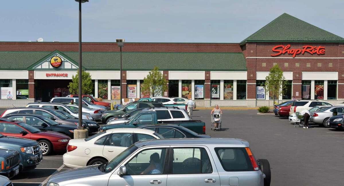 ShopRite's new supermarket in Niskayuna Friday Aug. 31, 2012. (John Carl D'Annibale / Times Union)