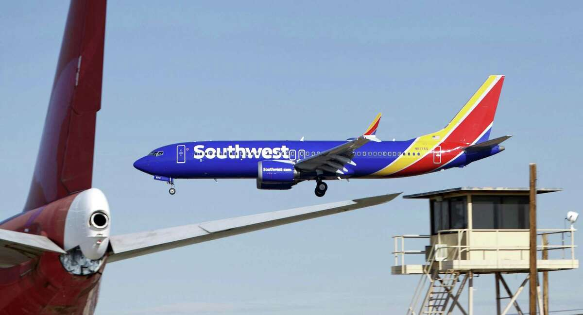 2. Southwest Airlines Industry: Transportation and Logistics Number of Employees: 56,0000
