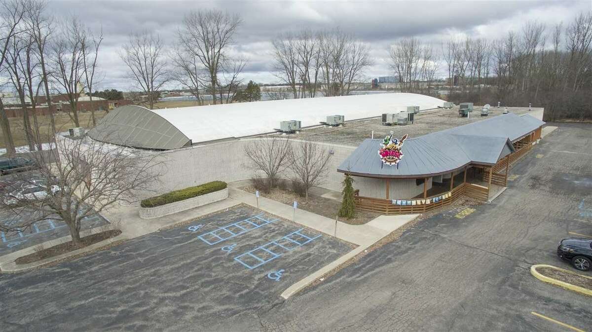 Captain Dave's Family Entertainment Center, which includes the Roll Arena and The Wheelhouse American Grill, is for sale. The business is at 2909 Bay City Road in Midland. For details:https://bit.ly/2J3SfqV(Photo provided/Doug Julian)