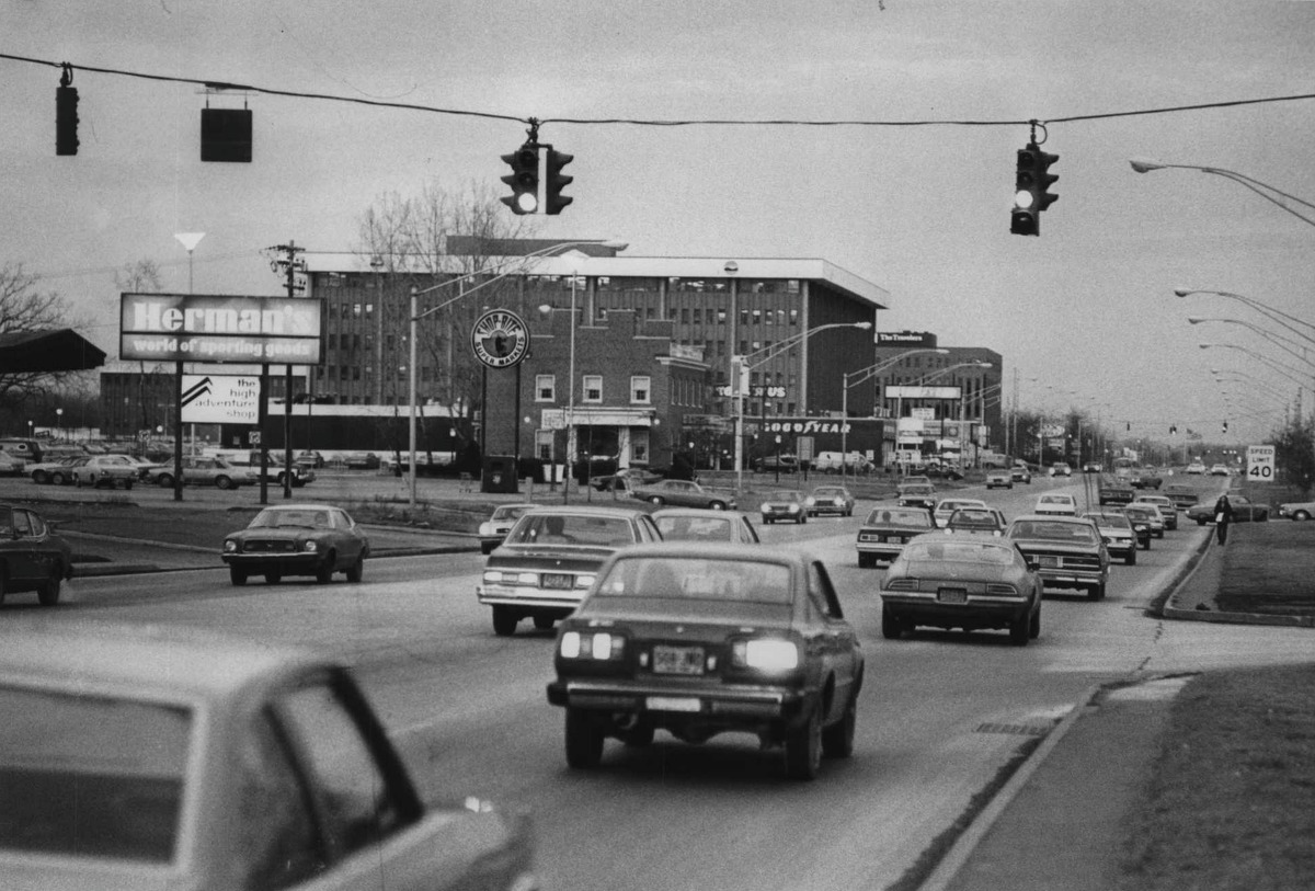 Click through the slideshow to see how Wolf Road in Colonie has changed through the years. Traffic on Wolf Road in Albany, New York. January 24, 1980 (Raymond B. Summers/Times Union Archive)