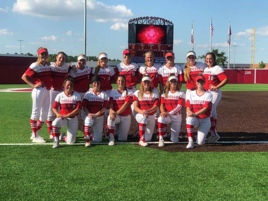 The Crosby Lady Cougars pose after sweeping Nederland in the Bi-District round of the 2019 playoffs Photo: Crosby Softball Twitter