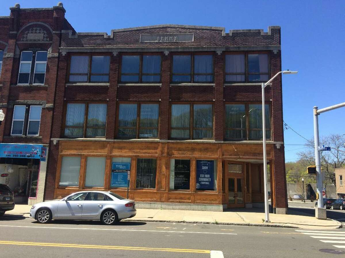 The owners of the former Glazer's appliance and furniture store on 200 Main Street are seeking approval from the Ansonia Planning and Zoning Commission to renovate the building into 19 apartments.