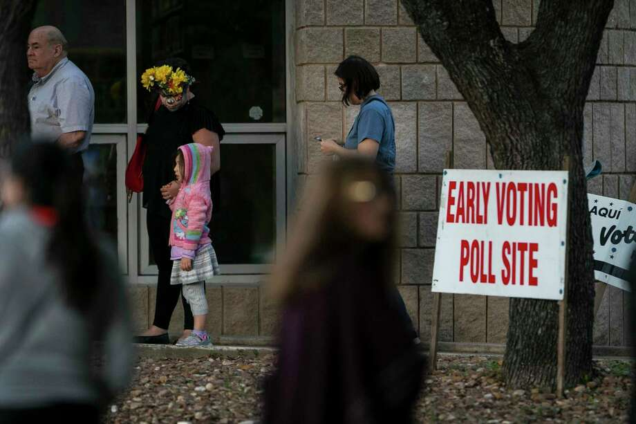 In this November 2018 photo, voters wait in line on the last day of early voting at Brook Hollow Library. This year, early voting will run from Monday through Friday, Nov. 1. Photo: Josie Norris /Staff File Photo / © San Antonio Express-News