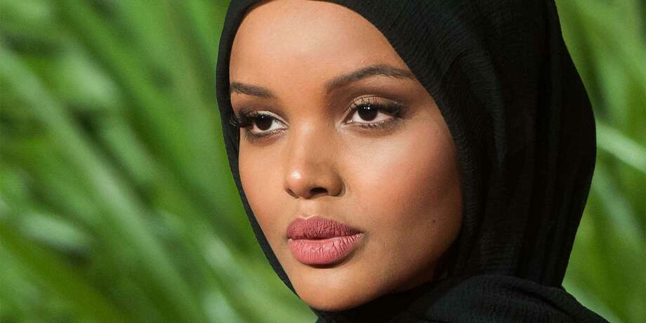 Halima Aden Is The First Sports Illustrated Swimsuit Model To Wear Burkini Hijab The Hour