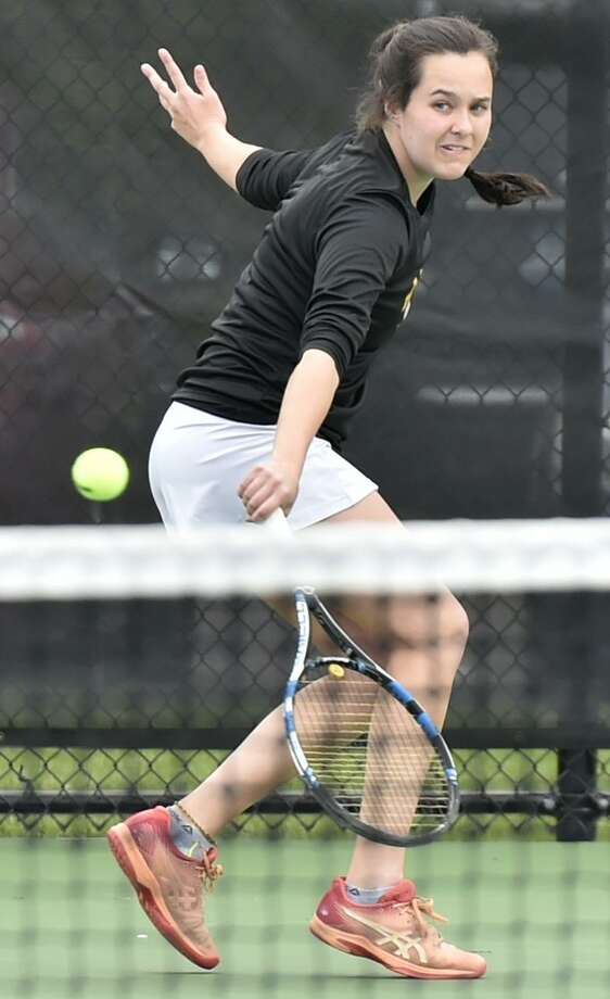 Woodbridge, Connecticut -Tuesday, April 30, 2019: Sarah Bullers of Amity H.S. returns a volley against Samantha Riordan of Daniel Hand H.S. Tuesday during the #1 singles girls tennis match at Amity H.S. Photo: Peter Hvizdak / Hearst Connecticut Media / New Haven Register