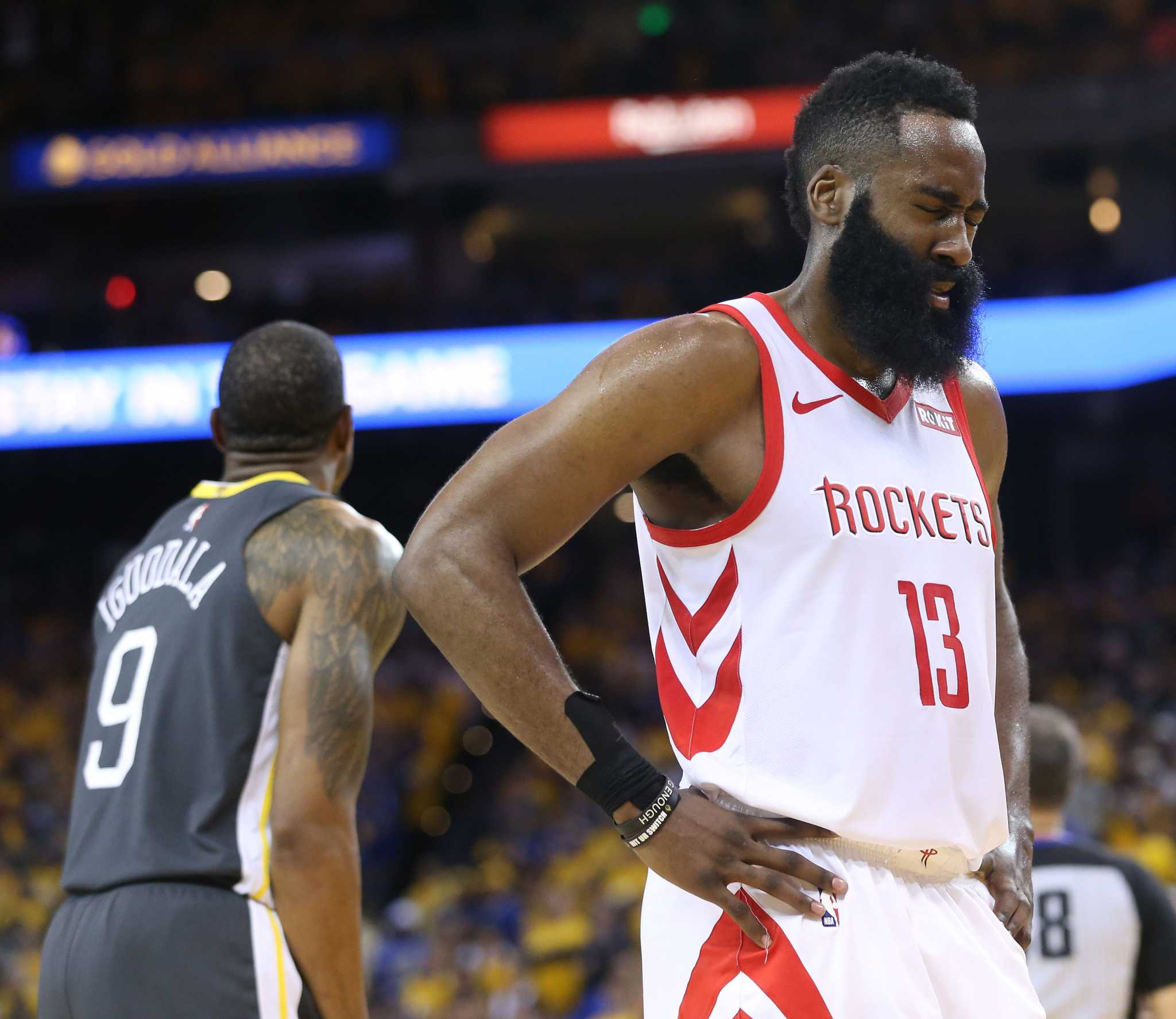 Flipboard: Golden State Warriors Down Houston Rockets To