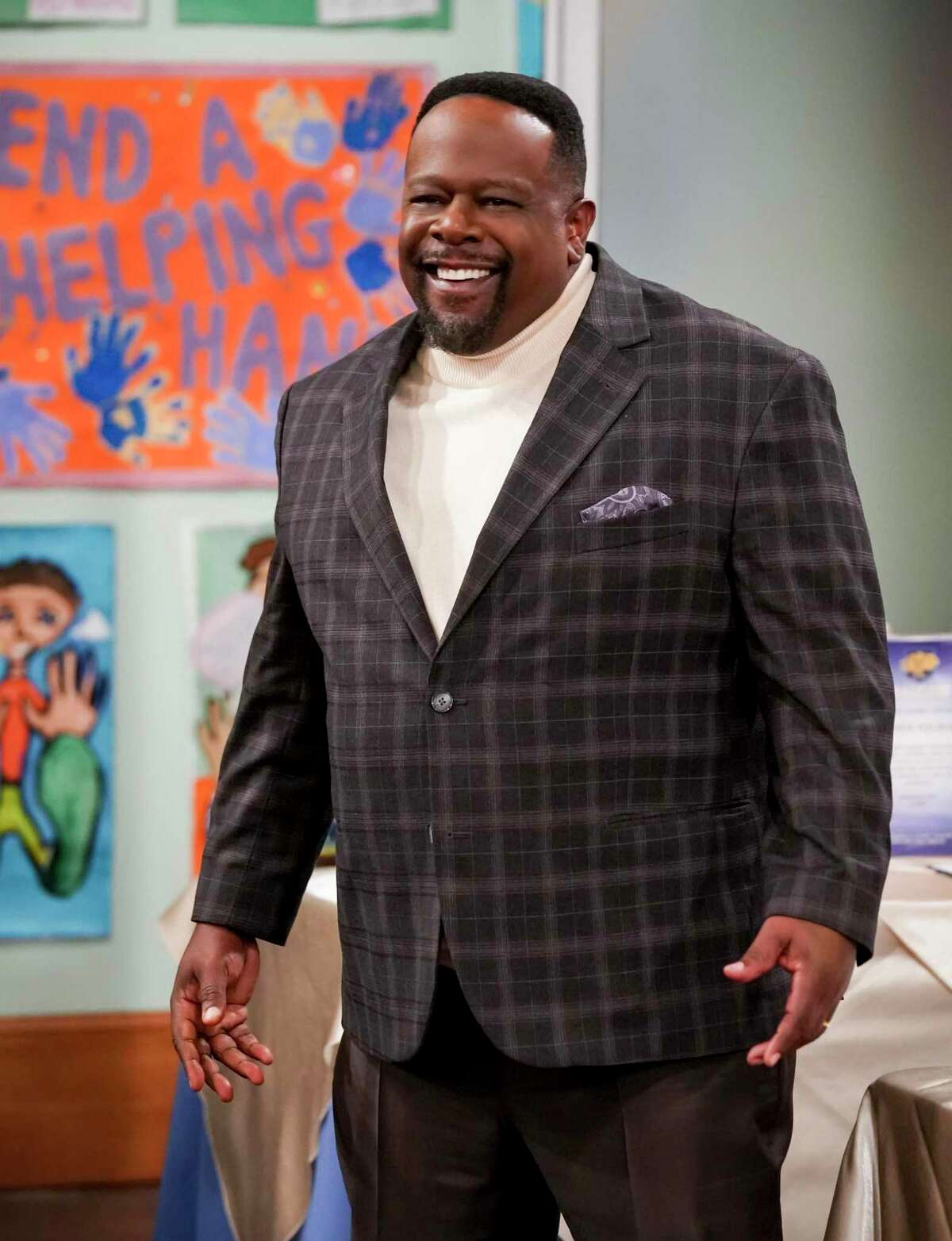 Cedric the Entertainer in an episode of