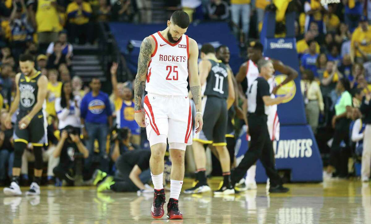 Houston Rockets guard Austin Rivers (25) reacts after a possession in the second half during game 2 of the NBA Western conference semifinals against Golden State Warriors at Oracle Arena on Sunday, Dec. 31, 2000 in.