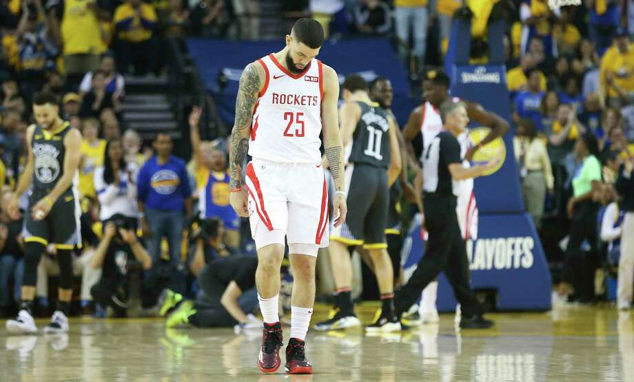 Houston Rockets guard Austin Rivers (25) reacts after a possession in the second half during game 2 of the NBA Western conference semifinals against Golden State Warriors at Oracle Arena on  Sunday, Dec. 31, 2000 in. Photo: Elizabeth Conley, Staff Photographer / © 2018 Houston Chronicle