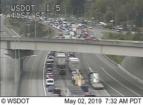 Pedestrian hit by multiple cars on I-5 causes southbound commuter