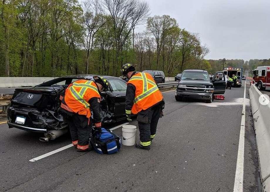 3 hurt in multi-vehicle crash on Merritt Parkway