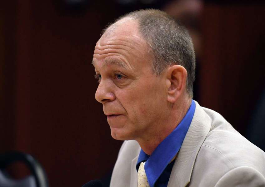 Bob Ensign speaks during the State Standing Committee on Transportation hearing on