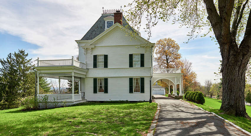 House of the Week: 2924 Route 385, Coxsackie | Realtor: Mary Stapleton with Berkshire Hathaway HomeServices Blake | Discuss: Talk about this house