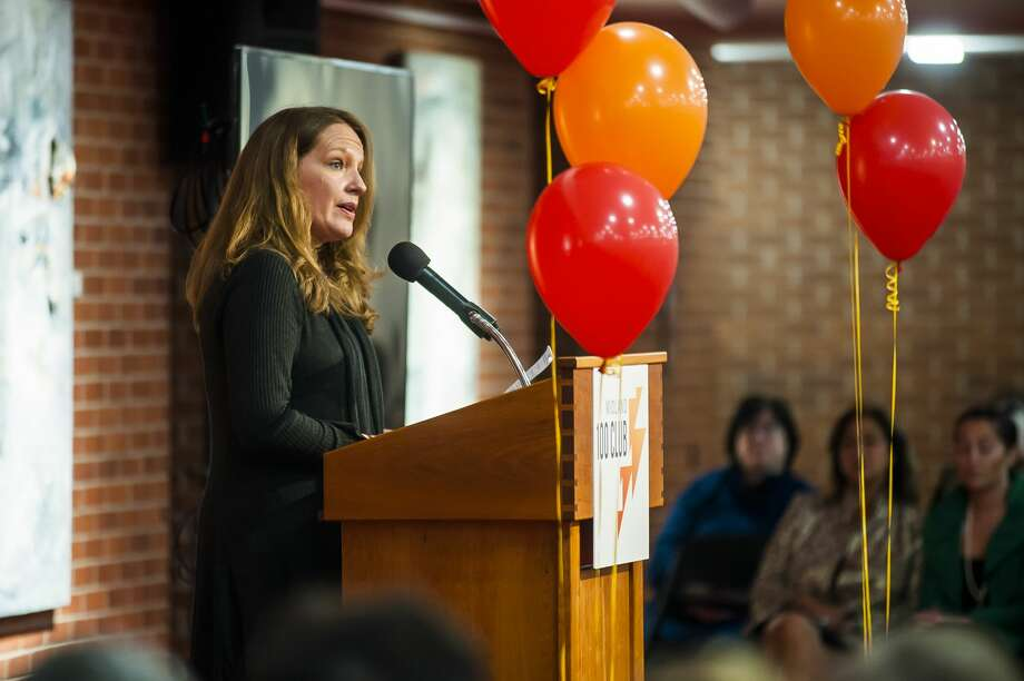 Sarah Schulz advocates for a donation to The Bridge during a meeting of the Midland 100 Club on Wednesday, May 1, 2019 at Midland Center for the Arts. (Katy Kildee/kkildee@mdn.net) Photo: (Katy Kildee/kkildee@mdn.net)