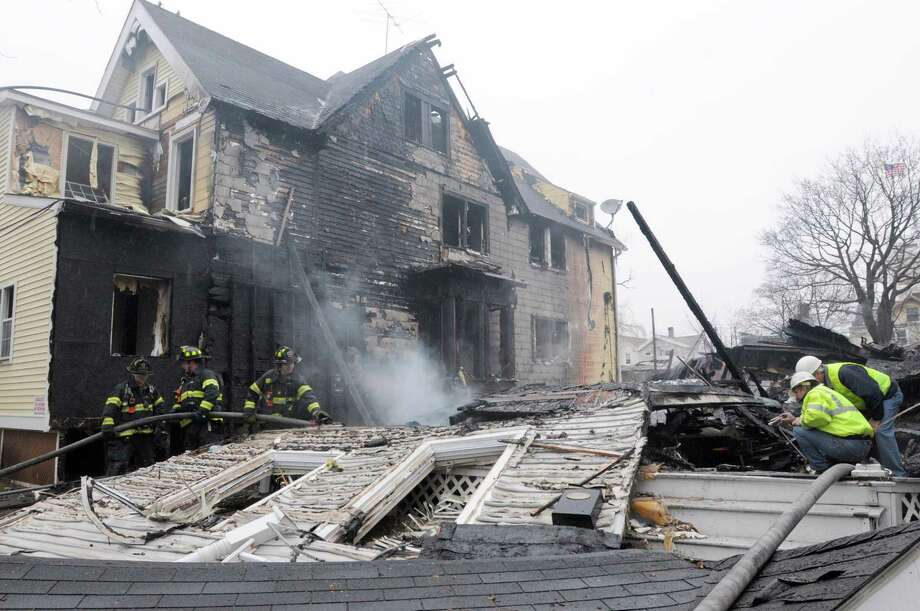 Do you some money set aside in case of an unexpected emergency? Photo: Hearst Connecticut Media File / ©Peter Hvizdak /  New Haven Register