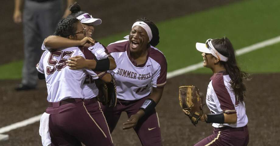 Summer Creek's Dani Moreno (55), Tauryn Cummings (15) and others celebrate after defeating Dawson 8-6 in an area round high school softball playoff game at Humble High School on Friday, May 3, 2019, in Humble, Texas. Photo: Joe Buvid/Contributor