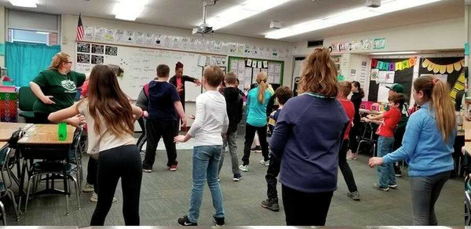 Detroit-based teaching artist Kimberli Boyd teaches fractions through dance at Siebert Elementary. (Photo provided)
