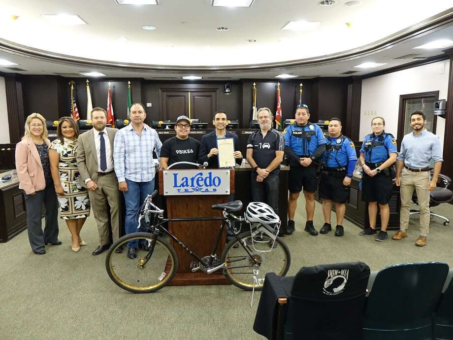 Mayor Pro Tempore Roberto Balli proclaimed May as National Bike Month in Laredo on Wednesday. Joining in support were District 7 Council Member George Altgelt, El Metro Transit, the Traffic Safety Department and local bike organizations. Photo: Courtesy Photo