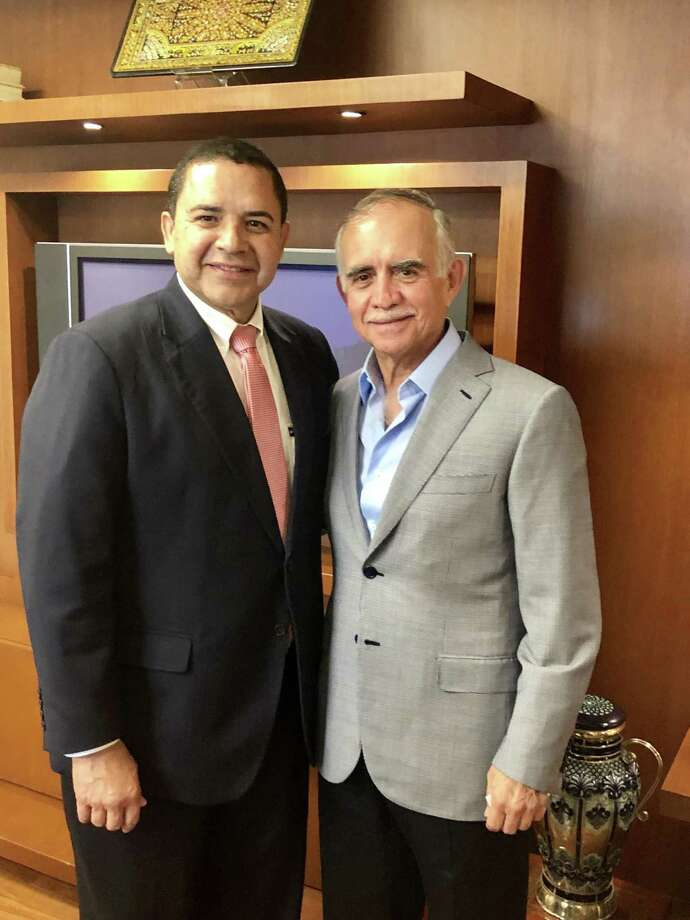 Congressman Henry Cuellar (TX-28) meets with Alfonso Romo Garza, President López Obrador's Chief of Staff to discuss USMCA and labor reform. Photo: /