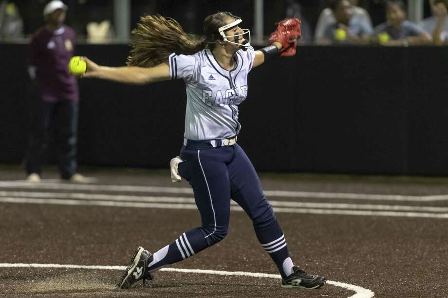 Dawson's Courtney Day (17), shown in action Friday night, homered and pitched a complete game Saturday as the Lady Eagles defeated Summer Creek, 7-1, to advance in the Class 6A softball playoffs. Photo: Joe Buvid, Houston Chronicle / Contributor / © 2019 Joe Buvid