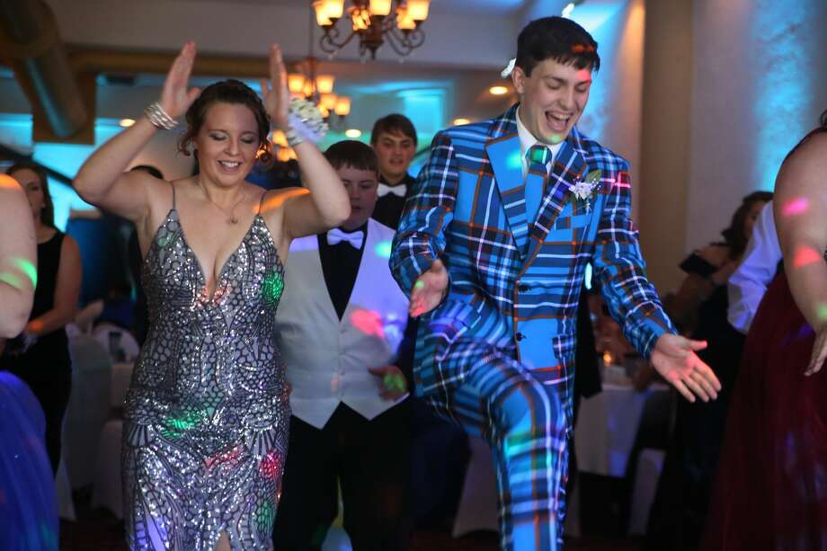 Scenes from North Huron's prom Saturday night, which was held at the Pasta House in Kinde. Photo: Mike Gallagher And Robert Creenan/Tribune Staff Writers