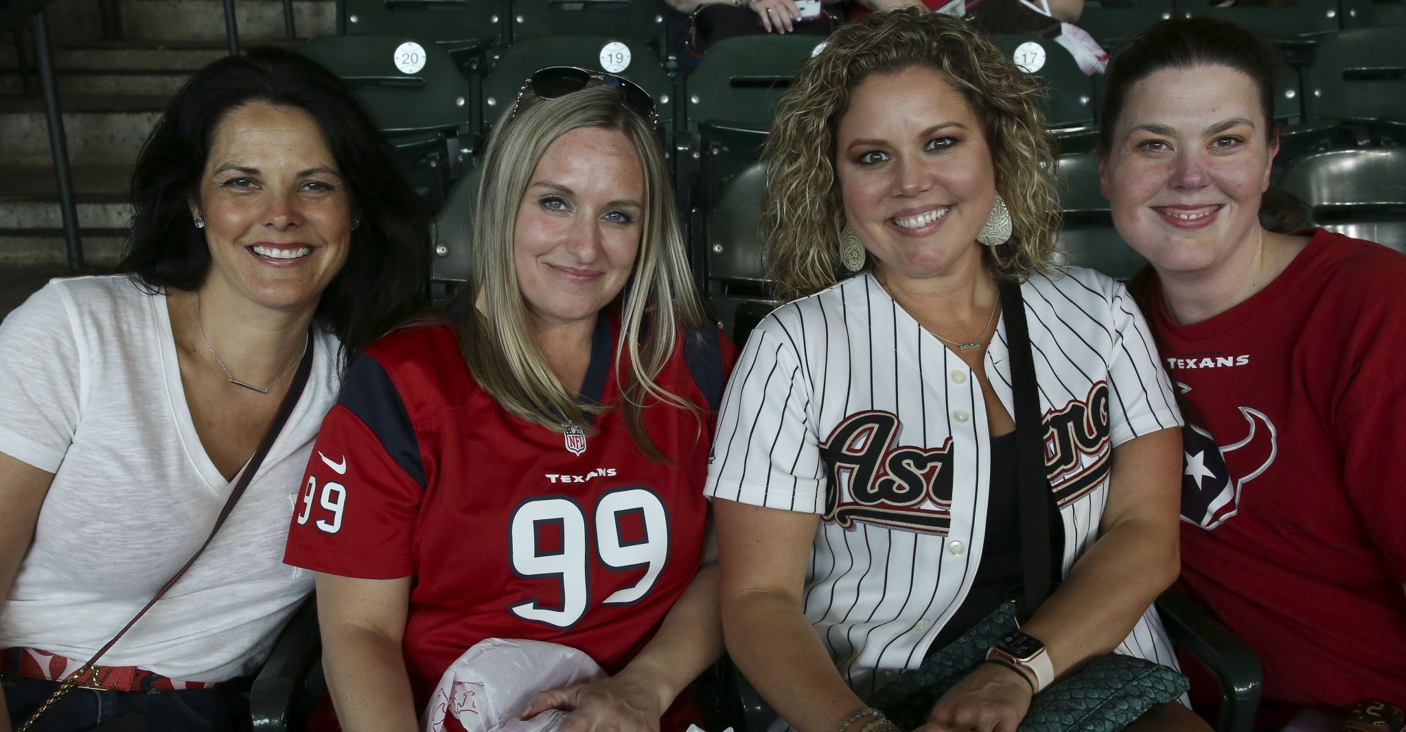Fans flock to J.J. Watt's charity softball game