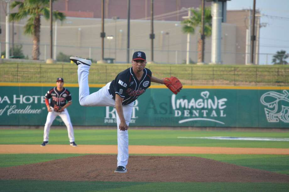 Jose Oyervides allowed one hit and one run over seven innings Saturday in the Tecos' 3-1 victory. Photo: Courtesy Of The Tecolotes Dos Laredos