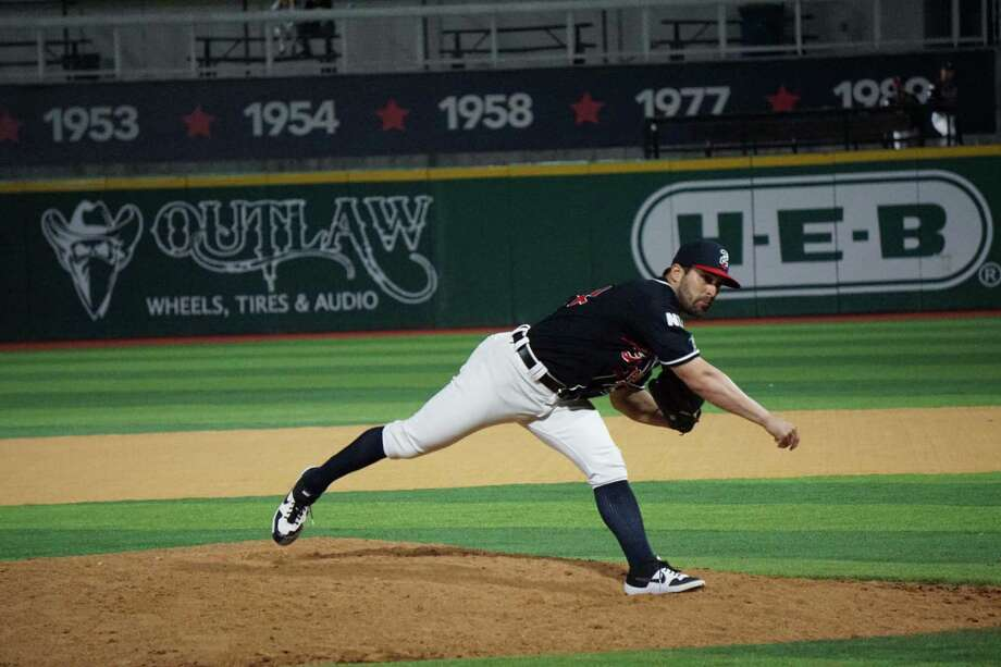 Tecolotes reliever Paul Voelker picked up the save Saturday and Sunday to help the bullpen complete a scoreless series. The relievers allowed only five hits over nine scoreless innings in three games. Photo: Courtesy Of The Tecolotes Dos Laredos