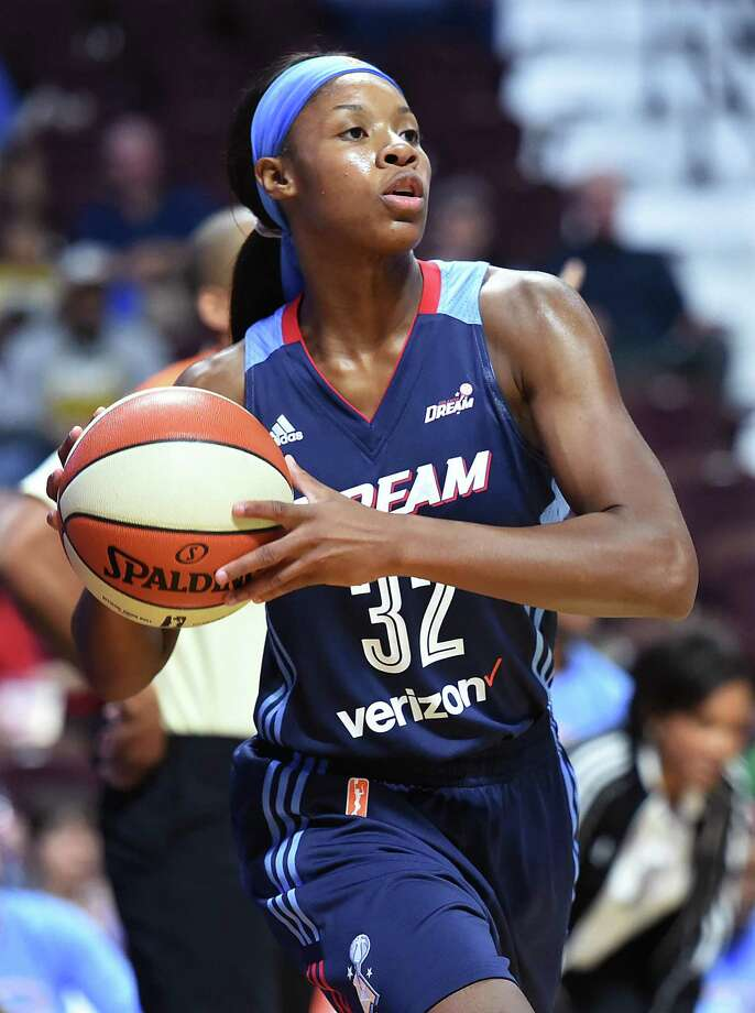 New Haven native Bria Holmes, who sat out last season as she gave birth to her daughter Diona, will be back on the court this season with the Connecticut Sun. Photo: Catherine Avalone / Hearst Connecticut Media File Photo / New Haven RegisterThe Middletown Press