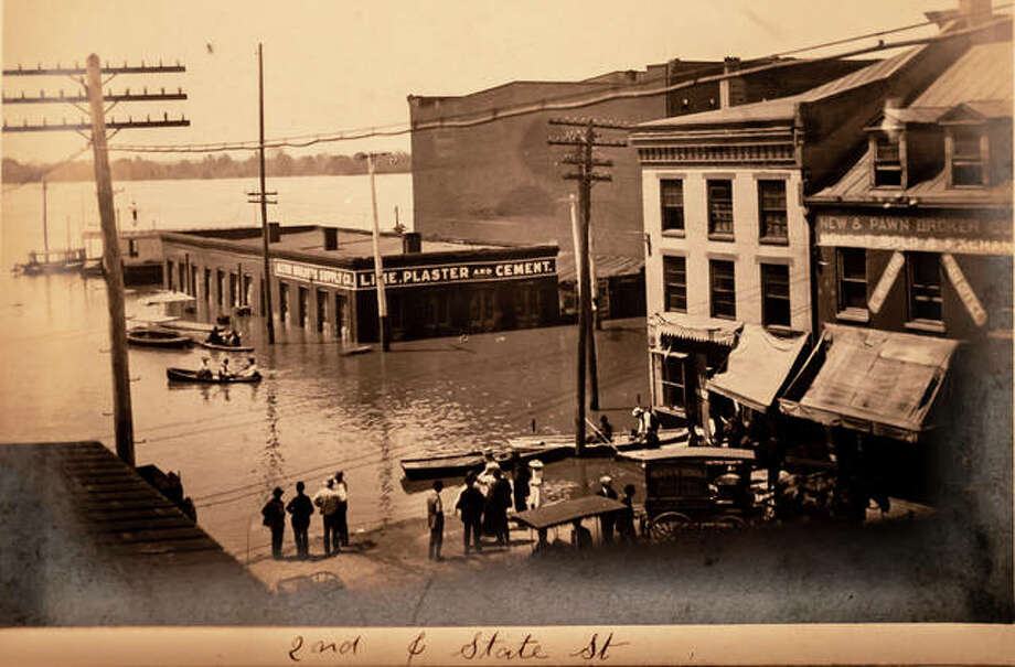 These rare photos show downtown Alton in 1903 at a crest of around 34 feet — about what is expected Monday.