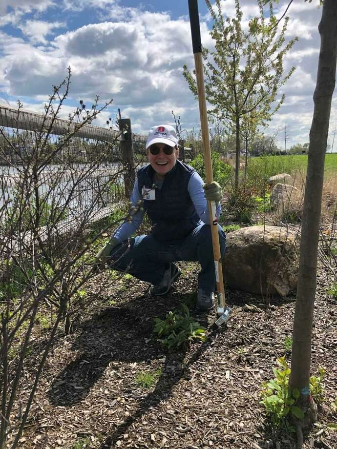 The Junior League of Greenwich hosted its seventh annual Clean-Up Day at the Byram Park & Beach on April 27 to get the area ready for summer activities. Photo: Contributed