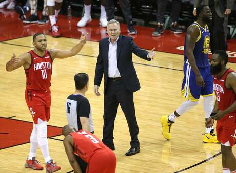 Houston Rockets head coach Mike D'Antoni and Rockets guard Eric Gordon (10) argues a call with referee David Guthrie (16) during the second half of Game 4 of the NBA Western Conference semifinals against the Golden State Warriors at Toyota Center on Tuesday, May 7, 2019, in Houston.